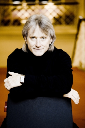 Carl St.Clair leads Pacific Symphony in persuasive Mahler 5th, quietBach