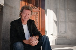 Questions and Answers with Harry Christophers, Artistic Director of the Handel and HaydnSociety