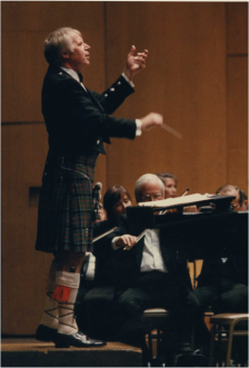 John Currie conducting Scottish Spectacular at Dorothy Chandler Pavilion in 1990 (3) (cropped)