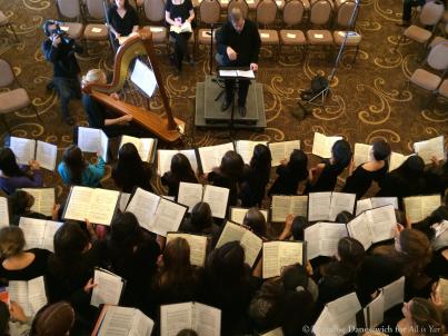 James Conlon rehearsing ladies (overhead)