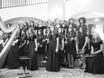 middle school girls choir (b&w)