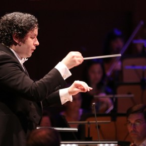 <i>Pictures</i> in high contrast:  Dudamel, LA Phil play Salonen, Rachmaninoff, and Mussorgsky