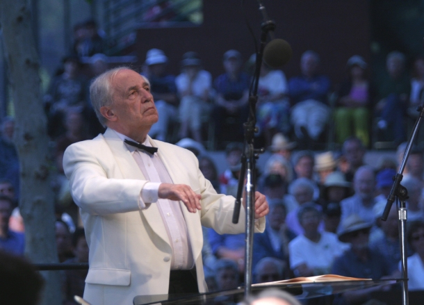 Pierre Boulez conducting at the 2003 Ojai Festival Ojai Music Festival - June 1, 2003 Mandatory Credit: Photo by Robert Millard (©) Copyright 2003 by Robert Millard www.MillardPhotos.com 818-247-4700